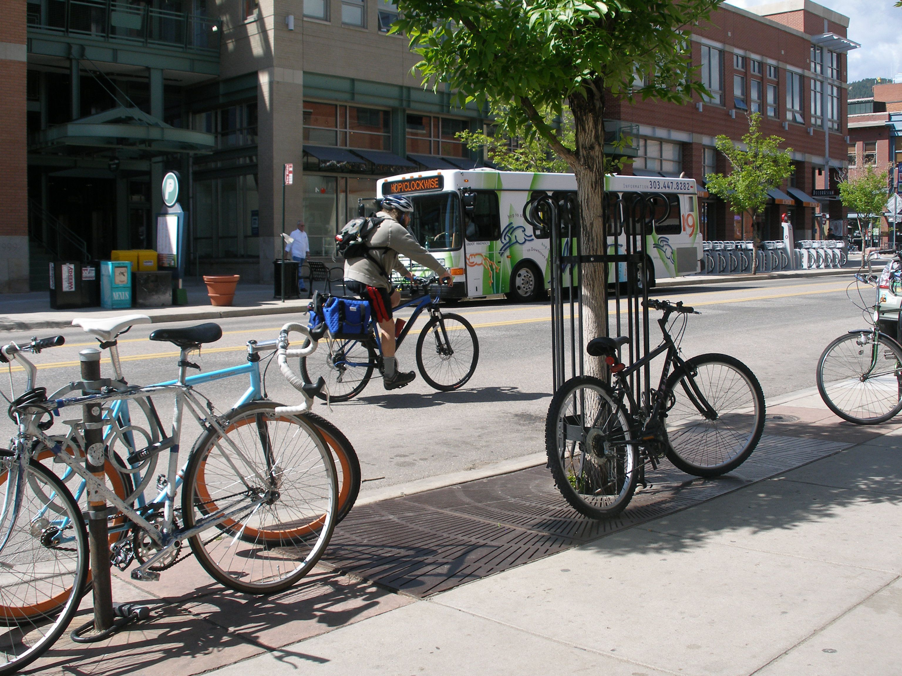 What are the major transportation issues facing Boulder?