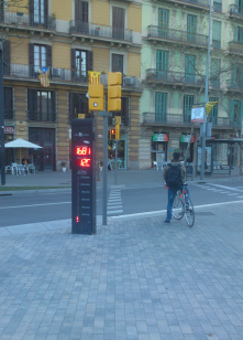 Barcelona, Spain: bike counter<br/>Same as in Seattle and Karlsruhe<br/>Shows n. of bikes per day and per year, time and temperature