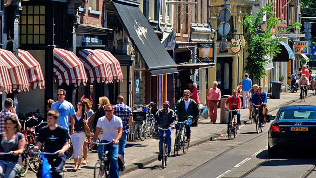 Climate Street in Amsterdam   http://amsterdamsmartcity.com/projects/detail/label/Climate%20Street