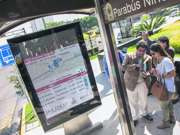 Launch information system for public transport users