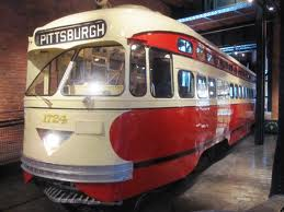 Its funny how old becomes new again. I'm happy many U.S. cities are bring back the trolley car. Love it.