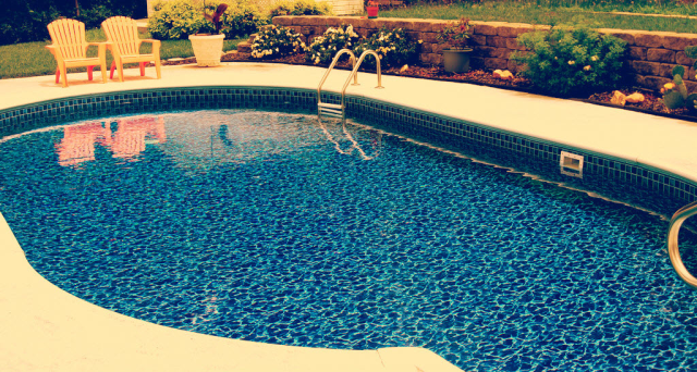 Salt water pool http://www.diyit.co.nz/wp-content/uploads/2012/10/salt-water-pool.jpg
