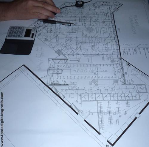 architectural drawings handmade! I love them. still I have some. http://www.fotosdigitalesgratis.com/noticias/fotos/Plano-Arq