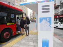 Prototype of intelligent stop with information of the city and urban real time transport. Collaboration: Coruna's Town hall and University