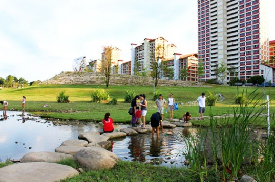 Creating Urban Wetland Bishan Park, Singapore  Part of the government program for a garden in the city, then later city in the garden.