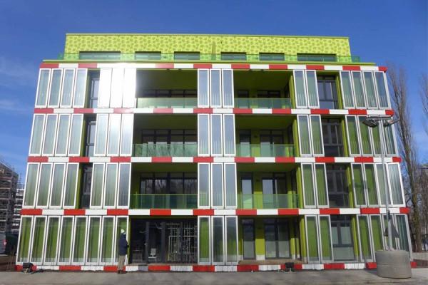 The power of Algae – innovative building facade .World first bio-reactive façade debuts in Hamburg.
