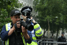 """http://www.flickr.co<wbr/><span class=""""wbr""""></span>m/photos/nicoladraco<wbr/><span class=""""wbr""""></span>ulis/237183056/<br/><br/>Near constant surveilance in London from cctv and police teams."""