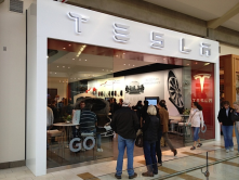 I love how Bellevue (Seattle) has a Tesla showroom inside the mall (on the second floor)! Best yet people are excited by this electric car.