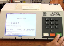 Brazilian elections are fully automated through electronic voting machines, the system is very efficient in a few hours we get the result.