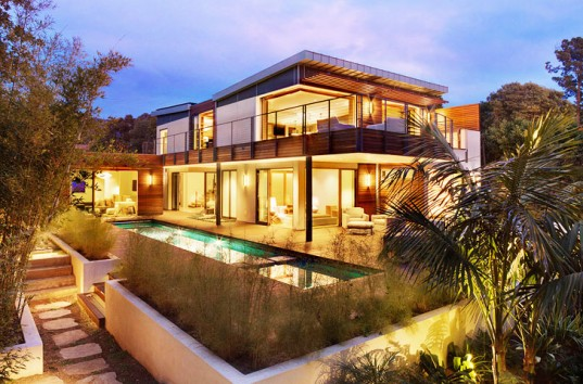 Green-Roofed LEED Platinum Home in Montecito, California. An amazing eco-friendly home