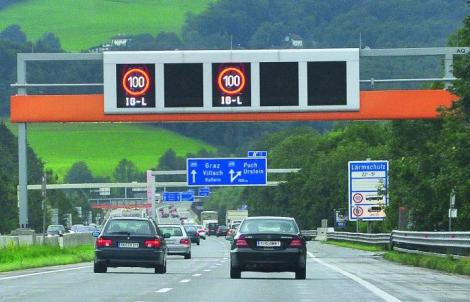 The Austrian government installed sensors that measure CO2 emissions. At a certain point, the speed limit is automatically lowered to 100kmh