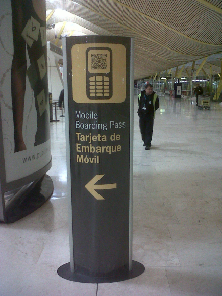 T4 Madrid-Barajas Airport: boarding pass qr code reader. It works with Iberia company. Take it on your phone and show it to the sensor.