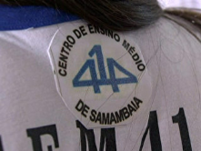 A school in Samambaia, a city next to Brasília, is testing a controversial sensor in the uniform to control the student attendance.