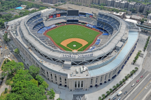 "smart stadium : read article<br/>http://en.wikipedia.<wbr/><span class=""wbr""></span>org/wiki/Yankee_Stad<wbr/><span class=""wbr""></span>ium"