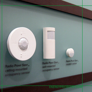 Lutron's Quantum system for total light management in commercial buildings. The lights are connected to daylight sensors. daylightharvesting