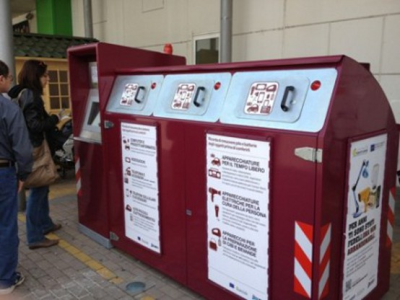 Smart brand new bins for WEEE recycling in Italy