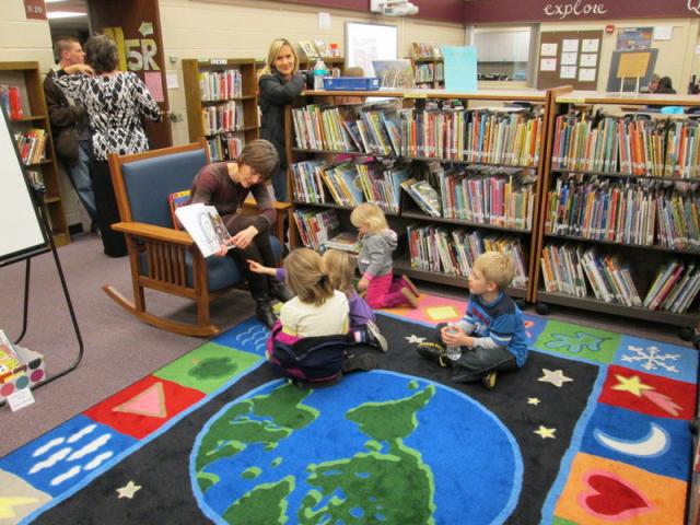 Penn Elementary library open house read aloud.